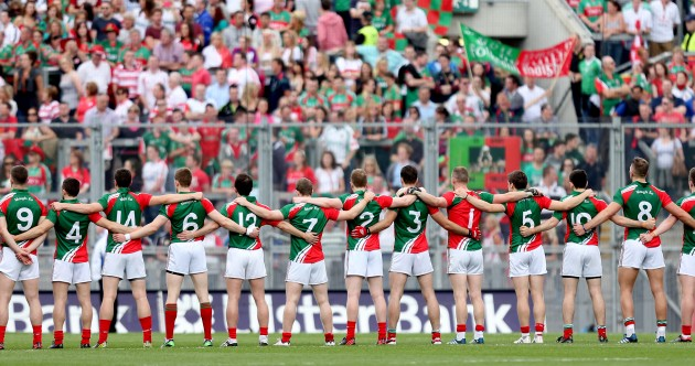 general-view-of-the-mayo-team-during-the-national-anthem-630x332
